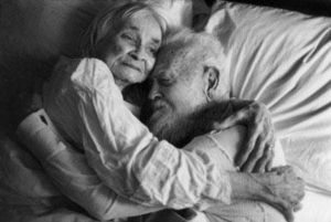 Ancianos queriendose